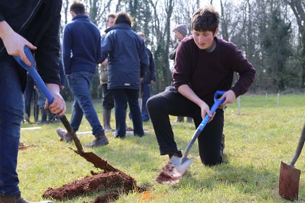 Image for Helpful Hartpury students lend a hand to help community spirit take root in local memorial garden