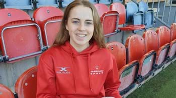 Hartpury A-level students win  international netball call-ups